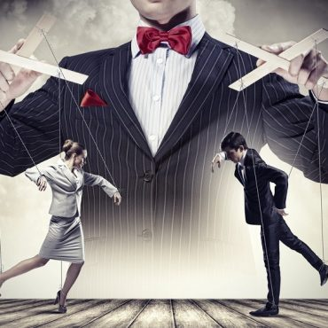 How to Recognize and Avoid Being Manipulated by the Media